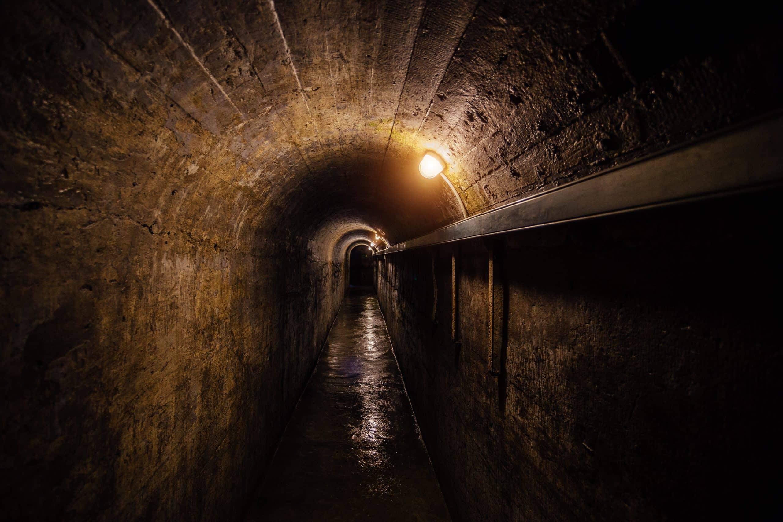 Caves voutées de l'hôtel des ducs illustrant la salle mystère du défi des ducs à Dijon